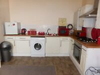 Bright and Airy 2 Bed Flat in Dysart