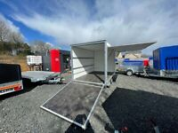 BRAND NEW 10FT X 6FT X 6FT TWIN AXLE BOX TRAILER WITH SIDE OPENING AND RAMP DOORS 2700KG