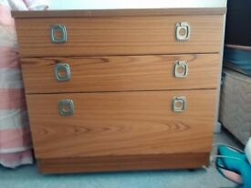 Two Small chests of drawers