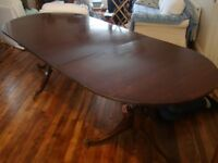 Reproduction Mahogany Extendable Dining Table