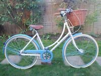 LADIES PASHLEY SONNET 3 SPEED ROADSTER/TOWN BIKE WITH WICKER BASKET (AS NEW)