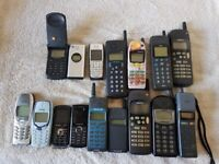 Vintage mobile phones (16 in total) as job lot. Untested.