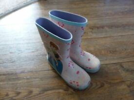 Lovely cute Frozen design wellies - size 2