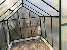 Sectional greenhouse