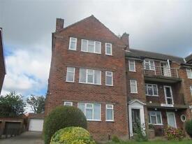 2 bedroom flat in Weydale Court, Weydale Avenue, Scarborough