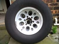 set of 5 4x4 6 stud jap alloy wheels with 265 70 r 15 tyres