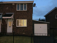 Immaculate, Unfurnished, 2 Bedroom House to Let - Fantastic Location - £650pcm