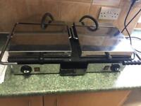 Double electric grill