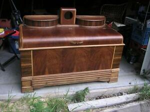 1930's Antique Cedar Chest. Art Deco Very Nice Condition. 100.00