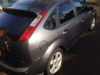 ford focus 1.8 zetec petrol,17 inch alloy wheels, sat nav/dvd player,private plate