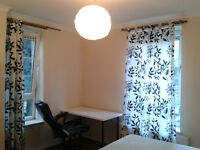 few rooms in E14 zone 2 canary wharf