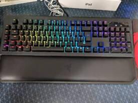 Mechanical RGB Gaming Keyboard - Razer BlackWidow Chroma V2