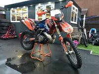 2011 KTM 250 EXC 2 STROKE ROAD LEGAL * 12 MONTH MOT* HPI CLEAR* NEW PLASTICS / GRAPHICS *