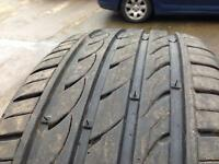 225 40 18 tyre 5+mm tread £15.00