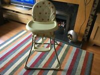 MAMAS & PAPAS FOLDABLE HIGH CHAIR IN GOOD CONDITION.