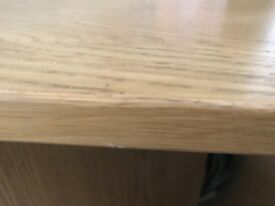 Wanted Oak board or tabletop in brown, 3 feet x 3 feet square & 3/4 inch thick.