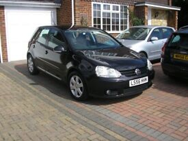 (2007) VW GOLF MATCH 1.6 FSI MET/BLACK 5 DOOR ONE OWNER FSH 12 STAMPS IN BOOK ABSOLUTELY IMMACULATE)
