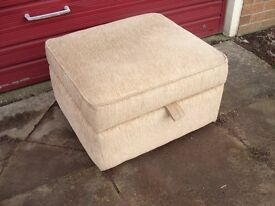 foot stool pouffe / storage box
