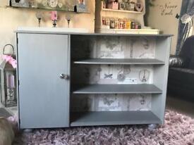 Bookcase / Cupboard