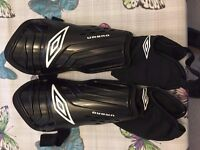 Umbro Mens shin pads, with ankle protection