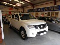 Nissan Navara Double Cab Pick Up Tekna 2.5dCi 190 4WD Auto (white) 2012