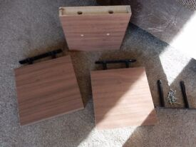3 x Floating Shelves with fixings - 25cm x 25cm x 4cm - Medium Oak colour (I think!)