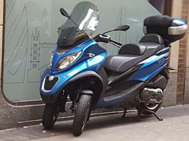 2014 Piaggio Mp3 500 ABS/ASR model in excellent condition, MOT until 7/2018, DRIVE ON CAR LICENCE