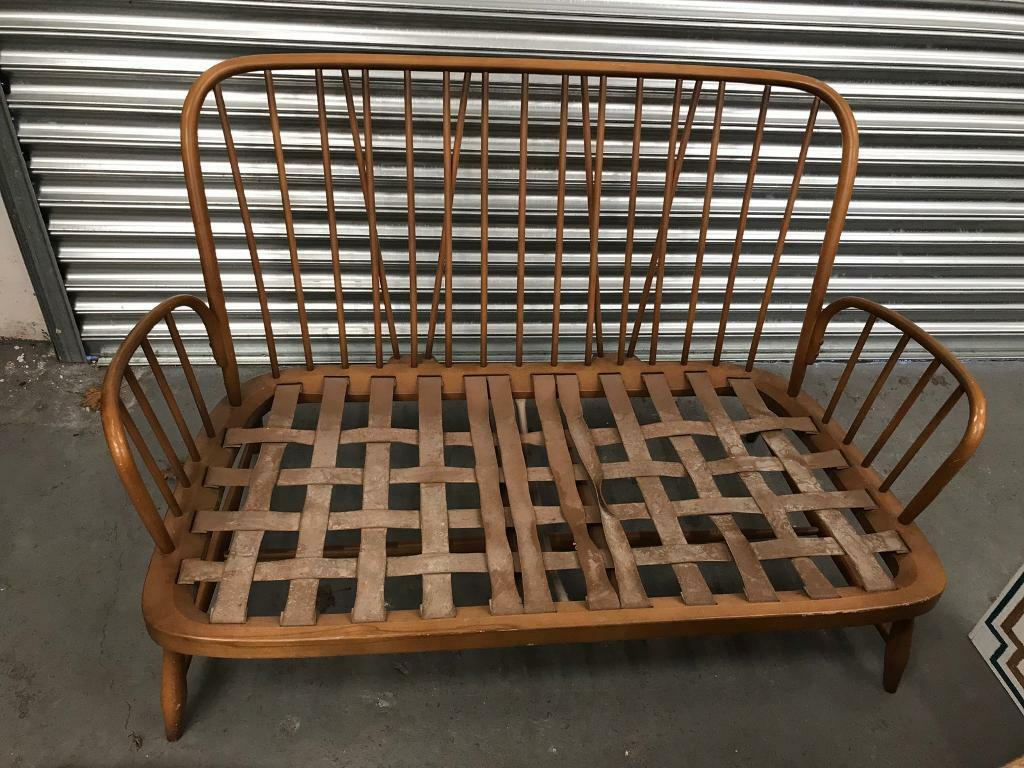 Retro vintage Two seat ercol Jubilee frame. Bargain price!