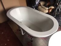 1500mm white free standing acrylic bath. 6 months old. Barely used
