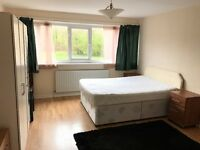 Large double bedroom to rent near CMK shopping centre, Conniburrow