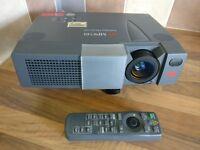 3M MP 8749 LCD projector