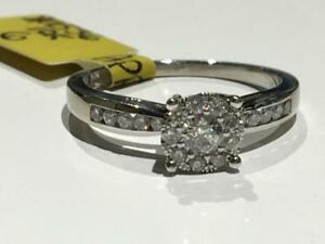 #1536 10K LADIES WHITE GOLD SPARKLY DIAMOND ENGAGEMENT RING TOTALING 0.34CT *SIZE 6* APPRAISED AT $1750.00