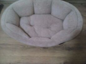 Puppy, dog bed 70cm x50cm used removable cover only £5