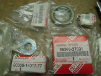 Toyota genuine rear wheel bearing left and right ''new''