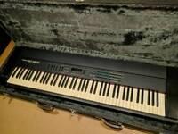 Roland RD 500 keyboard