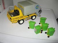 Playmobil Müllwagen mit 5 Mülltonnen Berlin - Köpenick Vorschau