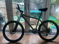 Giant mtb bike with advanced specs going for a good price!