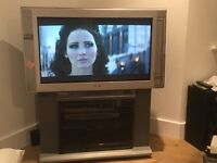 TOP OF THE RANGE HIGH SPEC SONY LCD TELEVISION TRU SURROUND 100HZ DIGITAL REALITY CREATION V HEAVY