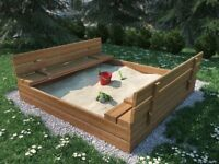 Closed sandpit with benches 120x120
