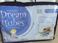 Dream tubes single sheet with inflatable tubes for cosy bed guard