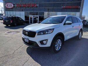 2017 Kia Sorento LX ALL-WHEEL DRIVE + 100K WARRANTY