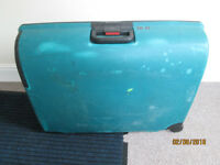 Large Hard Lugage Suitcase by carlton
