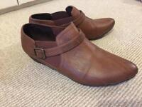 Brown shoes size 5