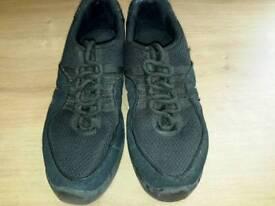 Bloch boost dance sneakers, black size 6
