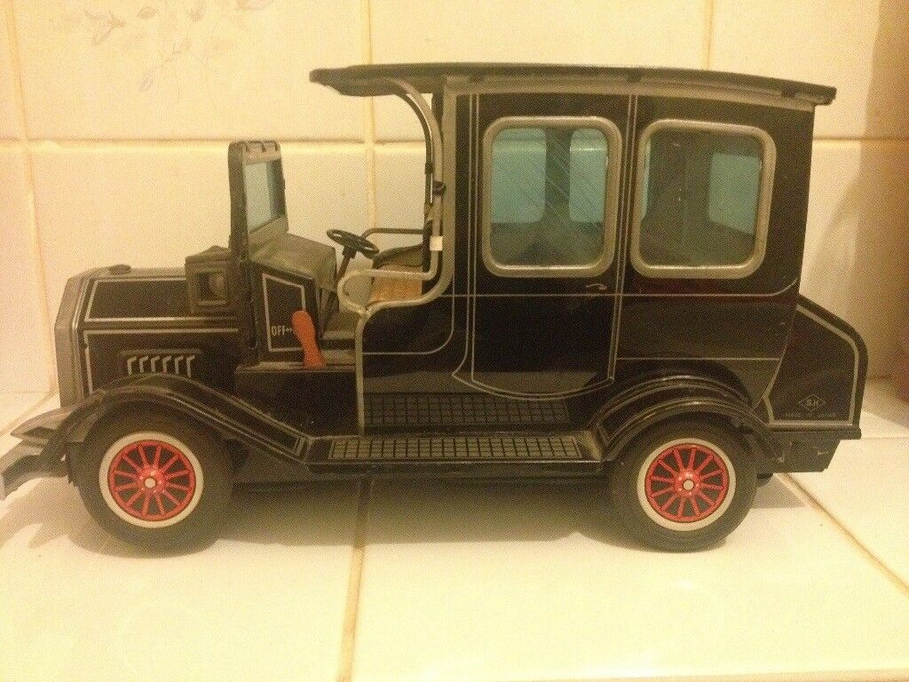 Vintage Litho tin toy car rare toy from Tokyo Japan