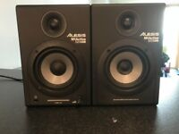 Black Alesis M1 Active USB 520 Monitors with 3 Meter XLR cable