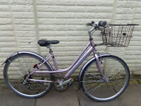ladies raleigh pioneer aluminium bike, ammacalate condition,new lights, d-lock FREE DELIVERY