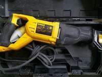 DeWalt DWE305Pk 110V Recip Saw 1100w almost new