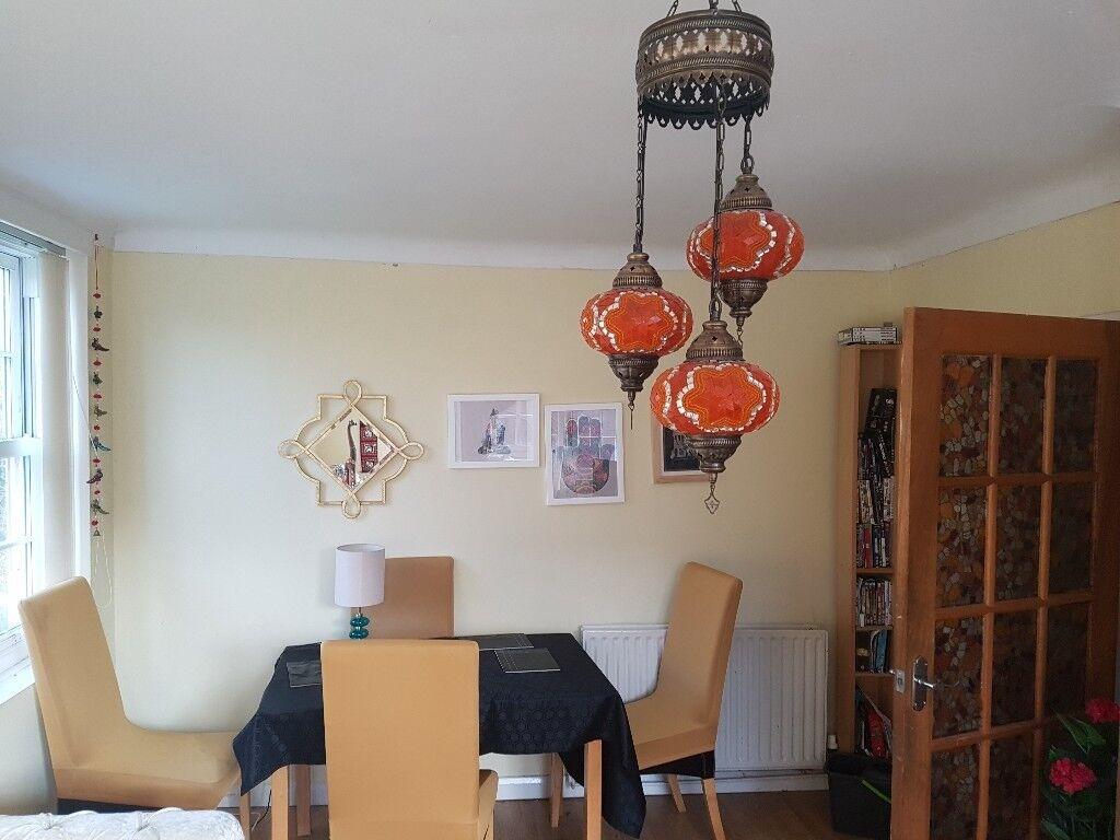 1 room available in lark lane l17 flat
