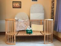 Stokke Sleepi baby cot/ bed with junior extension